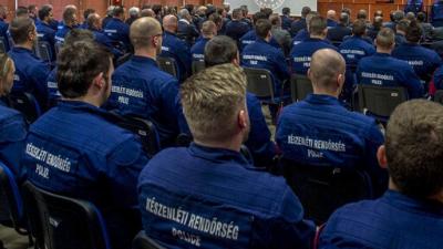 A rendvédelmi dolgozók várják a járvány miatti jutalmukat