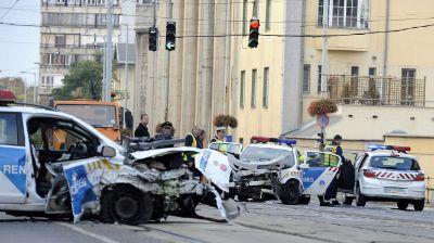 Dupla balhé: két rendőrautó ütközött – két panasszal rendeztük