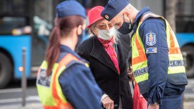 Fusizásra kényszerülnek és leszerelésre készülnek a rendvédelmisek a rossz fizetések miatt