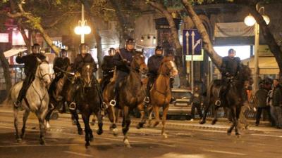 Tüntetők kaptak kártérítést 2006 miatt, több száz sérült rendőr még mindig nem